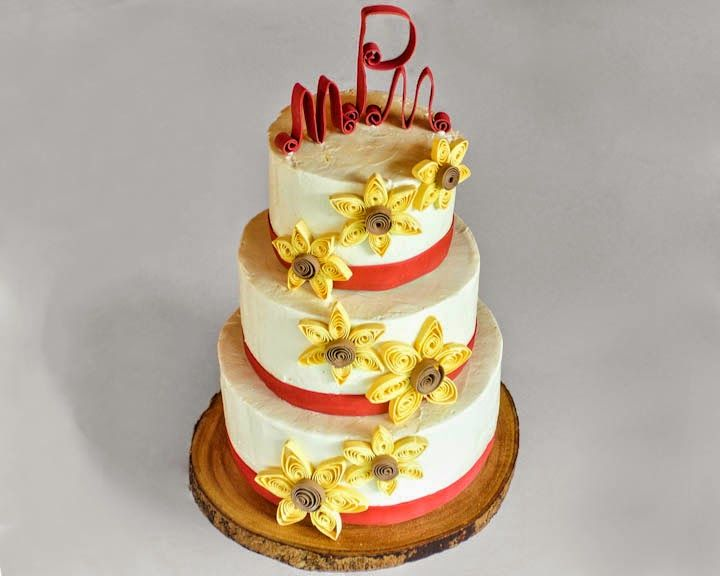Quilled flowers wedding cake | cake wedding and tiers | Pinterest ...
