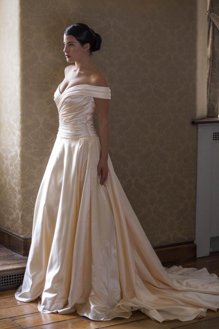 Veronica By Augusta Jones | Available At StarDust Celebrations | Bridal  Salon | Dallas, Texas