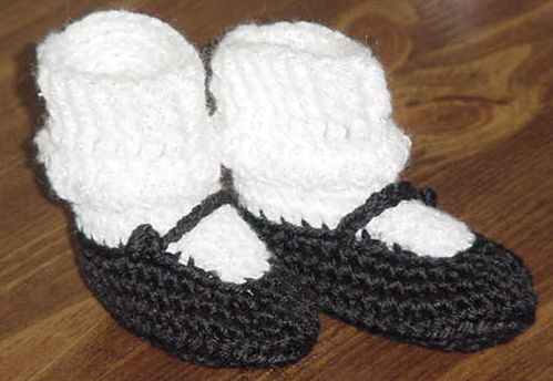 Crocheted Baby Mary Janes Booties Pattern | Baby Things | Pinterest ...