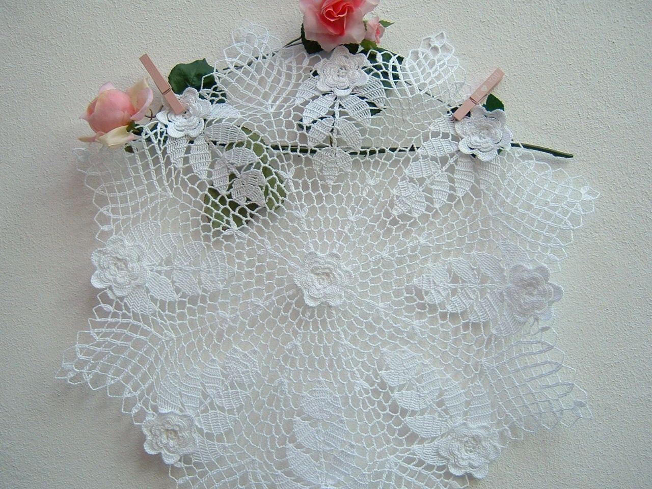 Uncinetto Shabby.Centro All Uncinetto Con Le Rose D Irlanda Crochet Casa Romantica Centrotavola In Pizzo Di Cotone Bianco Lace Centerpieces Crochet Home Romantic Centerpieces