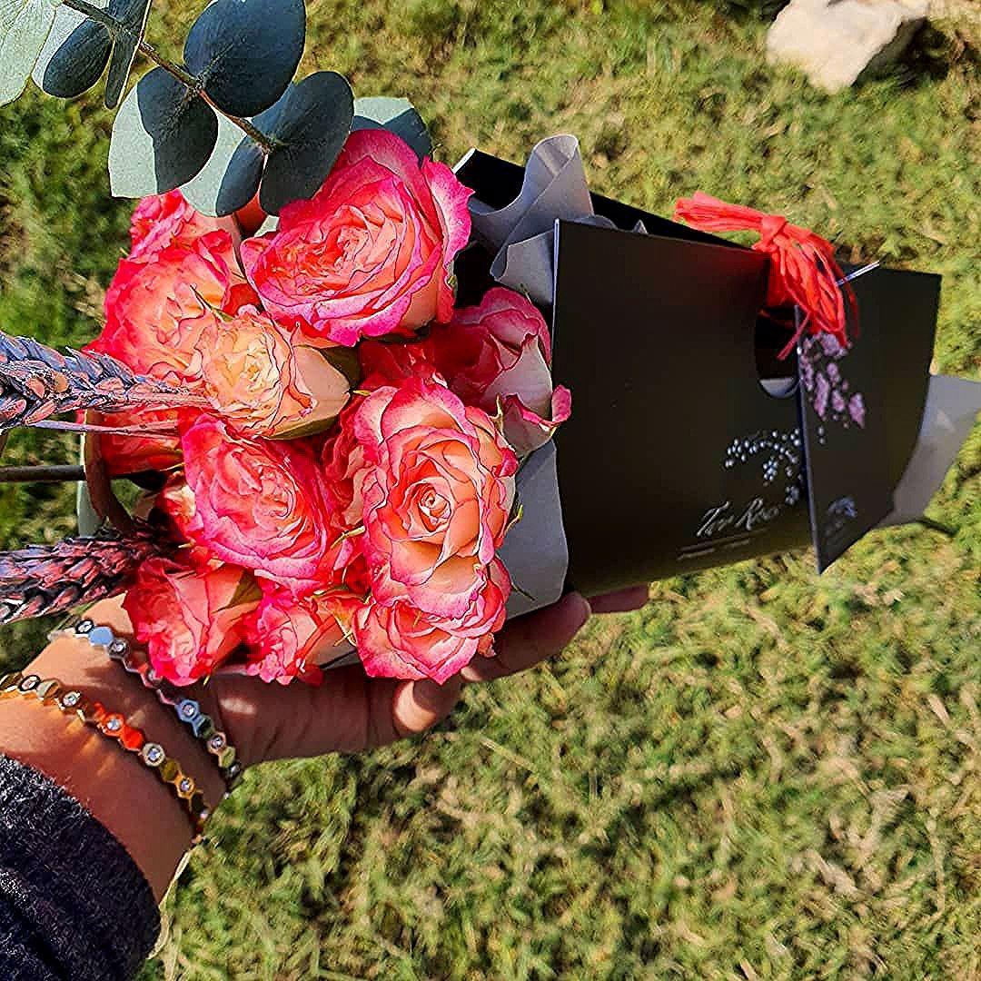 Mini Flower Bag You Can Choose The Flowers Color جنطة الورد ميني ألوان الورد من اختياركم للإستفسار 94 Ted Baker Icon Bag Tote Bag Ted Baker