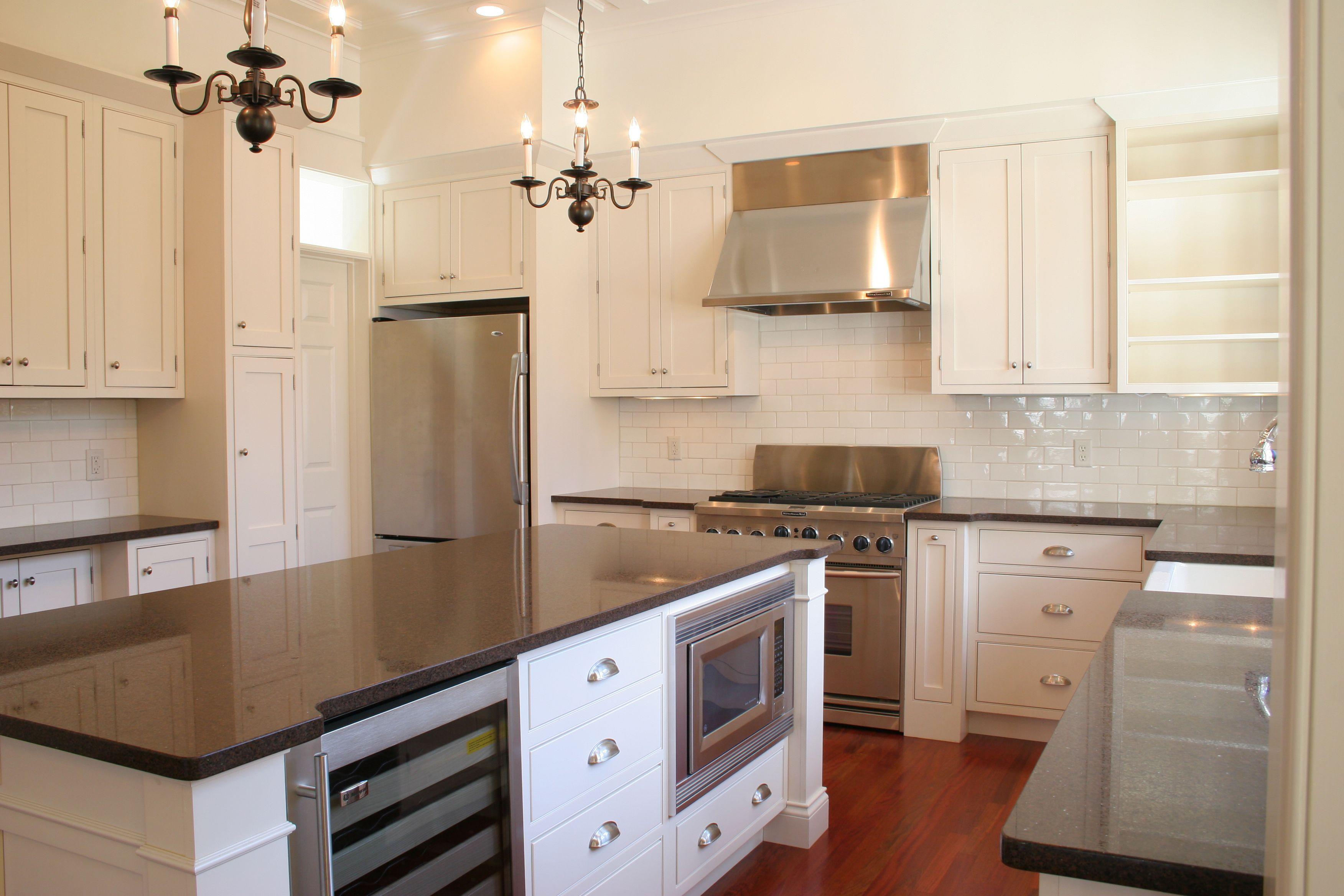 Beautiful White Shaker Kitchen Cabinets Combined With Black Uba Tuba Kitchen Backsplash Inspiration White Shaker Kitchen Cabinets Granite Backsplash Kitchen