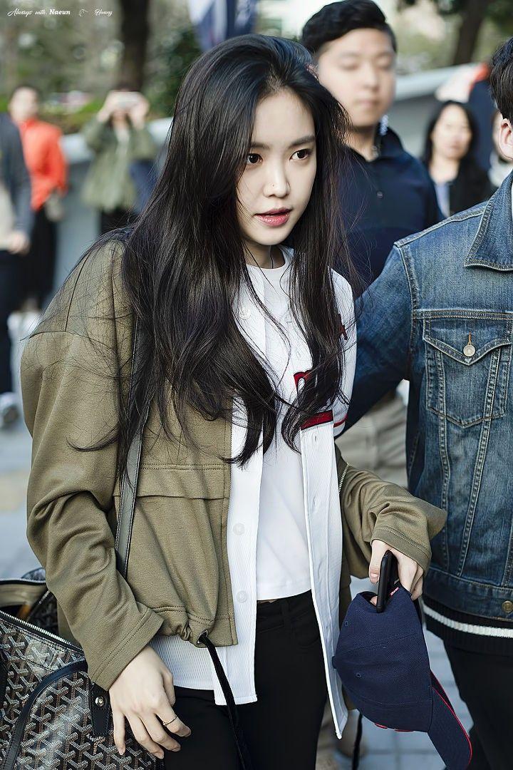 Son Na Eun Apink 180721 | Gadis ulzzang, Gadis, Mode wanita