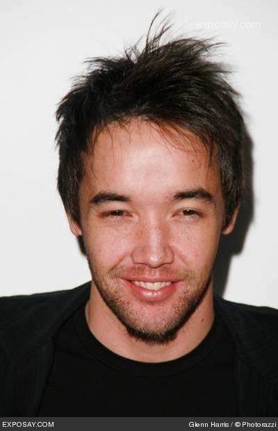 Hoobastank lead singer asian dating