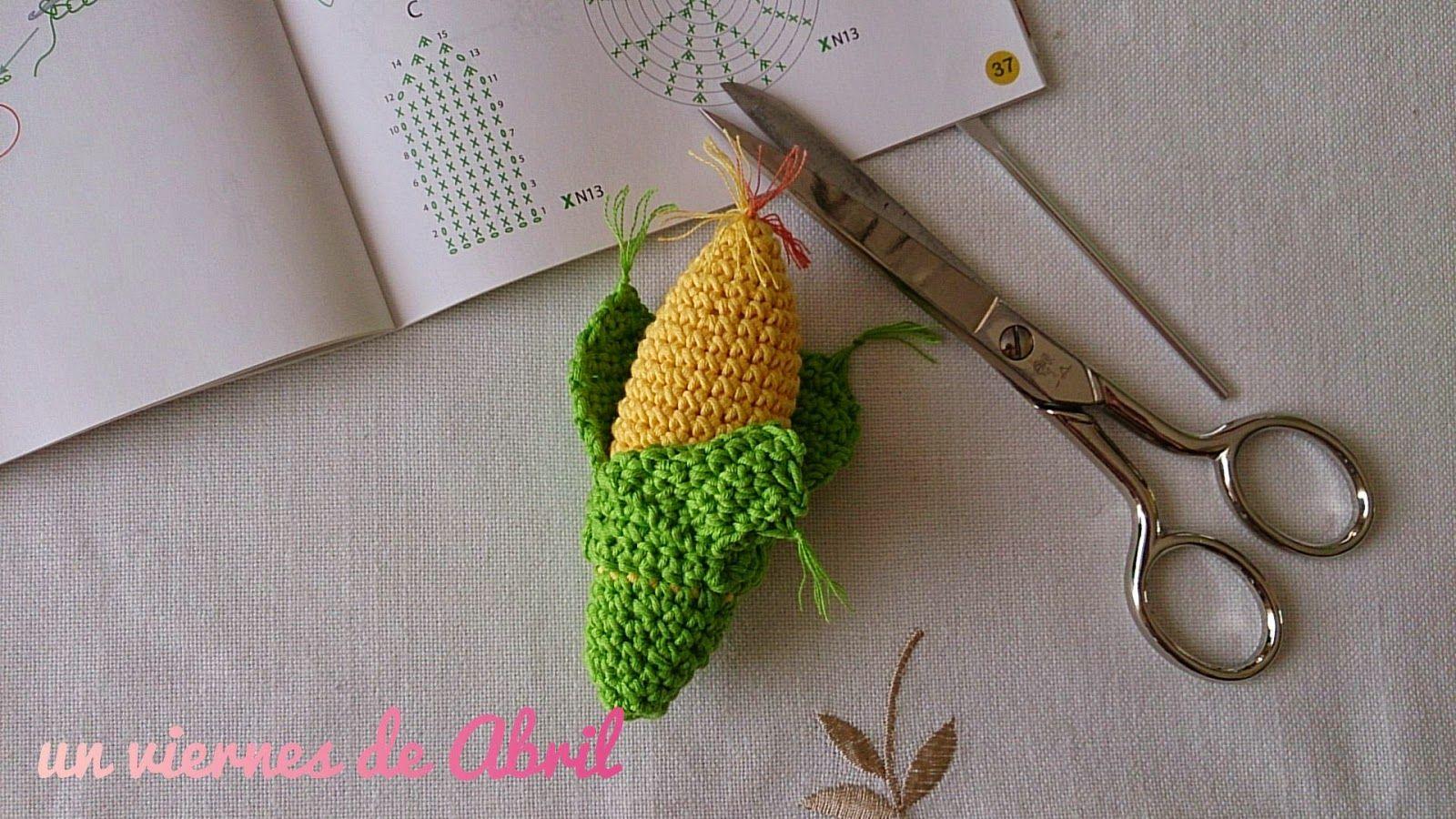 mazorca de maíz. Patrón de http://www.latiendadedmc.com/kit-de-amigurumi-frutas-y-verduras-cr027k-2416.html