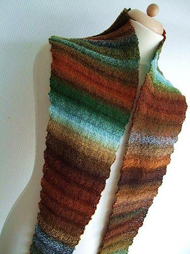Wellenbaktus (Wavy Baktus) pattern by Frollein Rosenresli | stricken ...
