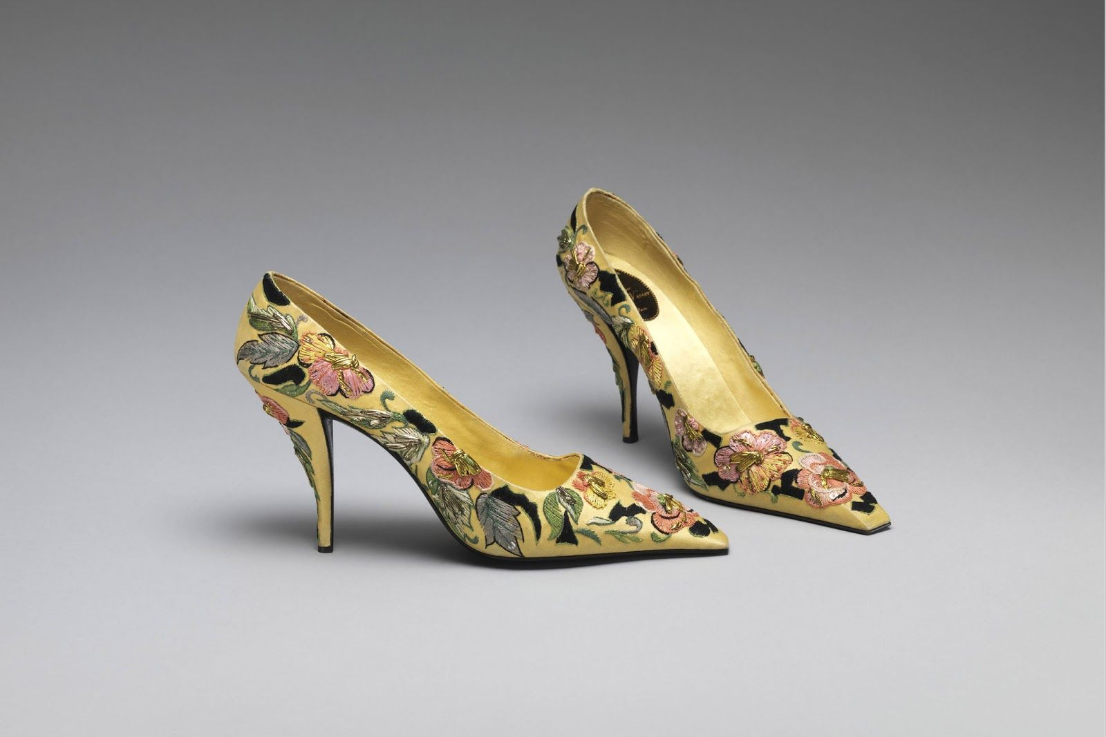 Pumps House of Dior (French, founded 1947) By Roger Vivier (French, 1913–1998) 1955: French, : Silk, leather, metallic thread, plastic