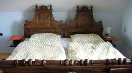 entsorgung von alte betten matratzen und polsterkopfteilen. Black Bedroom Furniture Sets. Home Design Ideas