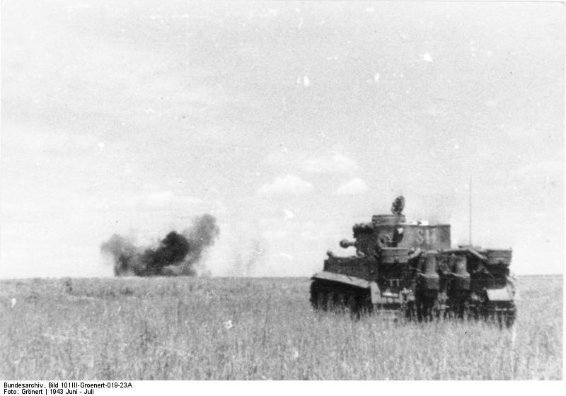 Tiger blasted away a Soviet tank ( German Waffen-SS Tiger I heavy tank in action near Kursk, Russia, Jun-Jul 1943)