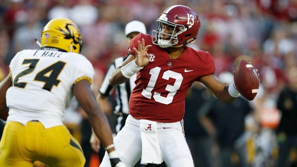 Alabama Qb Tua Tagovailoa Throws For 265 Yards Three Touchdowns In A 39 10 Win Vs Missouri As The Tide Move College Football Playoff Alabama Alabama Football