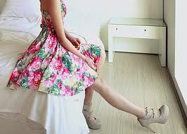 I love that dress and the shoes *_* <333