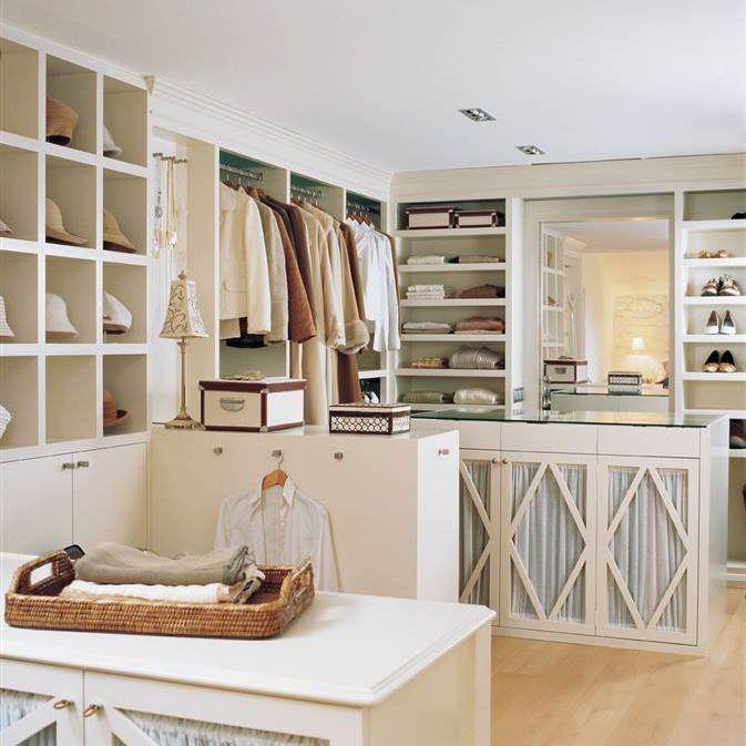 vestidores con soluciones de almacenaje y orden para todo situados en el dormitorio el bao o en lugares de paso como el pasillo - Dormitorio Con Vestidor
