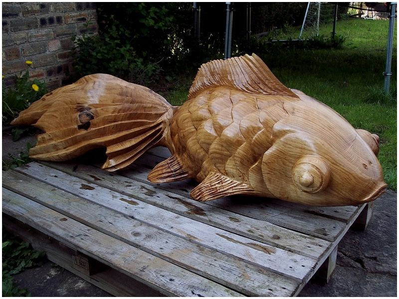 Chainsaw fish by tommy craggs carving