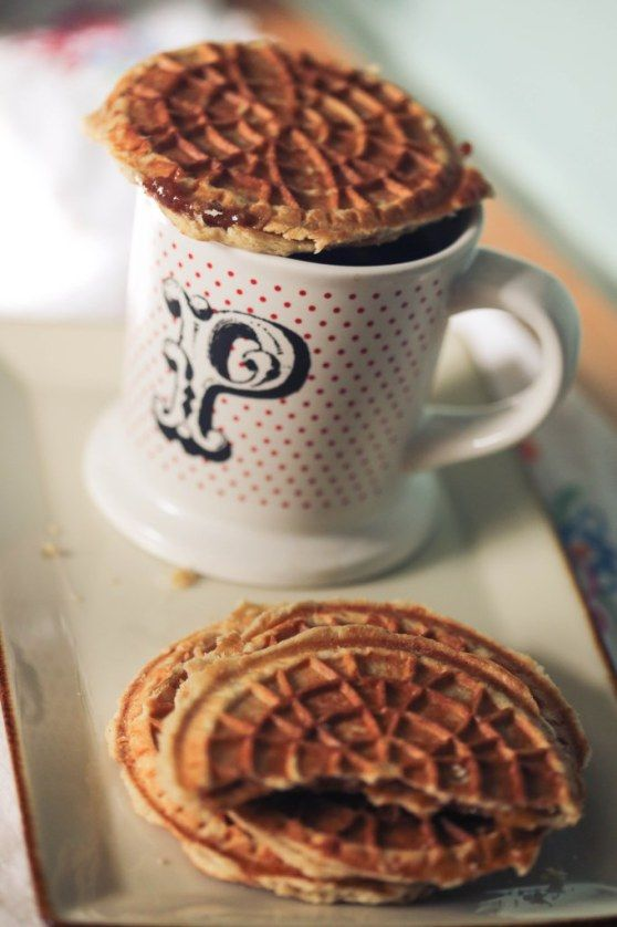 stroopwafels  stroopwafel recipe cooking and baking how to make waffles
