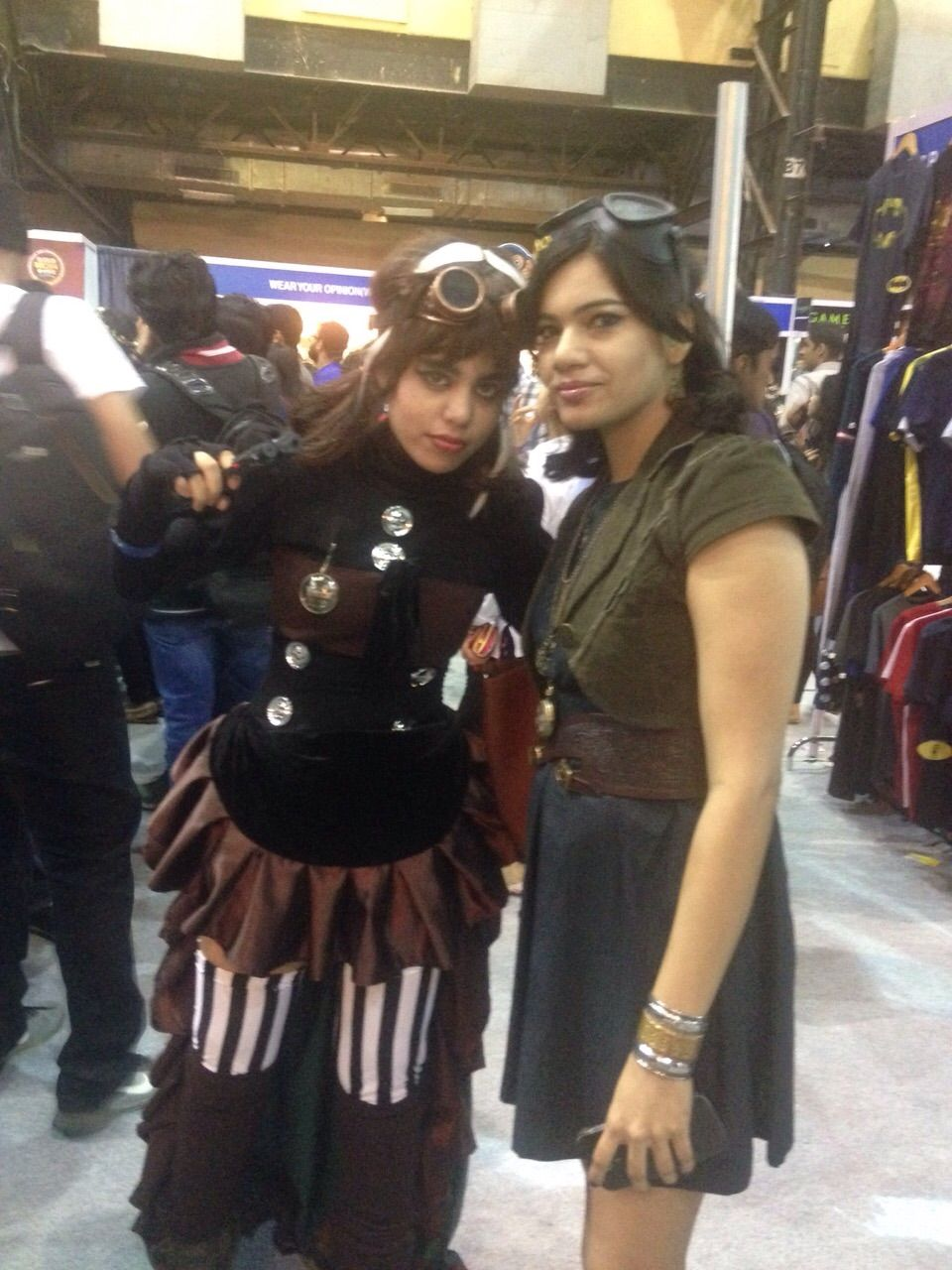 Mumbai Film & Comic Con 2014 (MFCC) - With another more dressed up Steampunk cosplayer in Mumbai