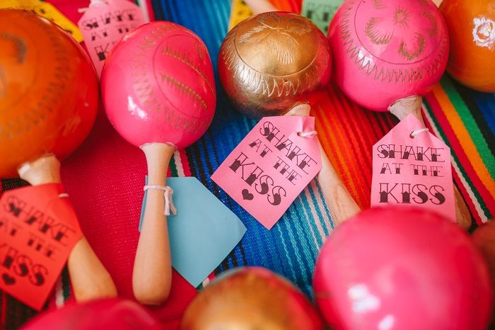 Maracas wedding favors - Mexican Inspired Wedding + 1950s themed wedding | I take you #wedding
