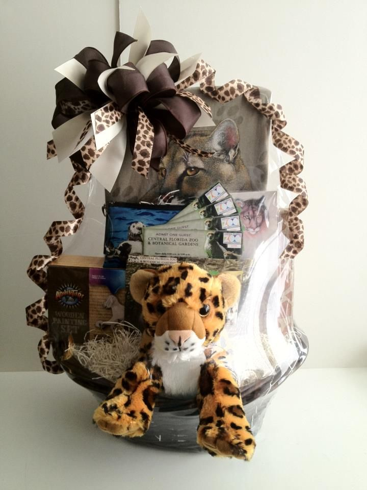 Safari Can See Zoo Gift Basket Www Ohbowsgiftbaskets Com Pet Gift Basket Auction Baskets Fundraiser Baskets