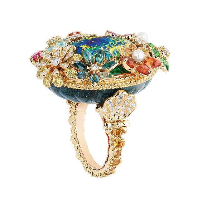 Photo of 写真12/48|「ディオール」ヴェルサイユ宮殿の庭園が着想のハイジュエリー、瑞々しい草花をダイヤモンドやエメラルドで
