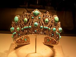 Ancient piece of jewelry at the Smithsonian. Bangle? Tiara? Either way, I'd die for it! ~ETS