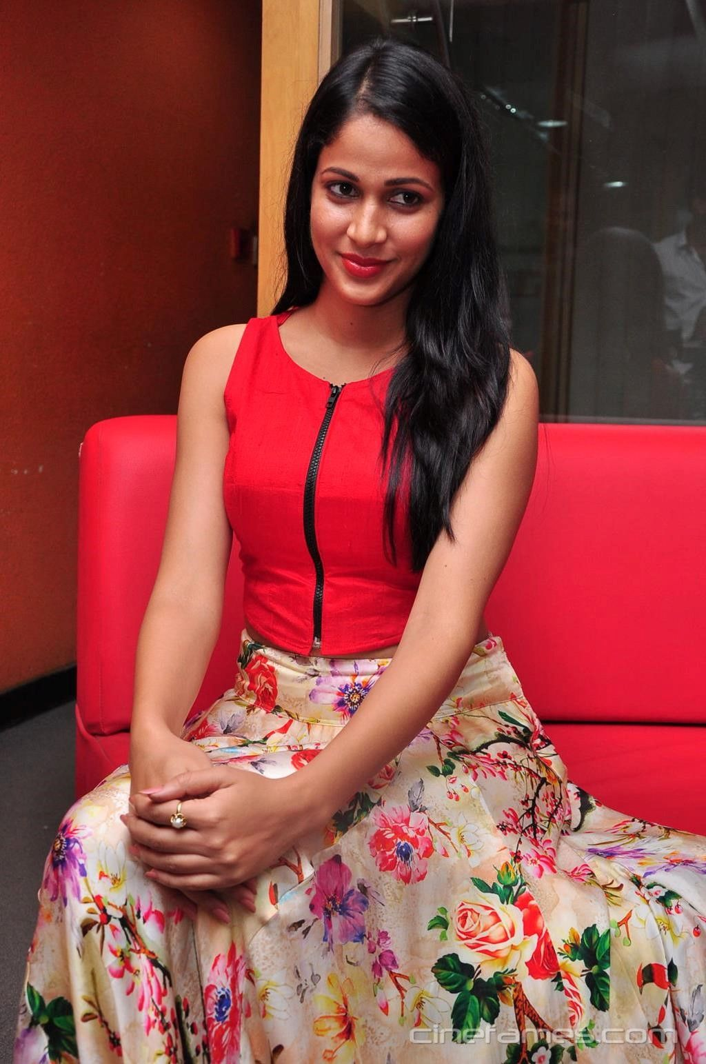 lavanya tripathi actress photoshoot stills, telugu heroine lavanya