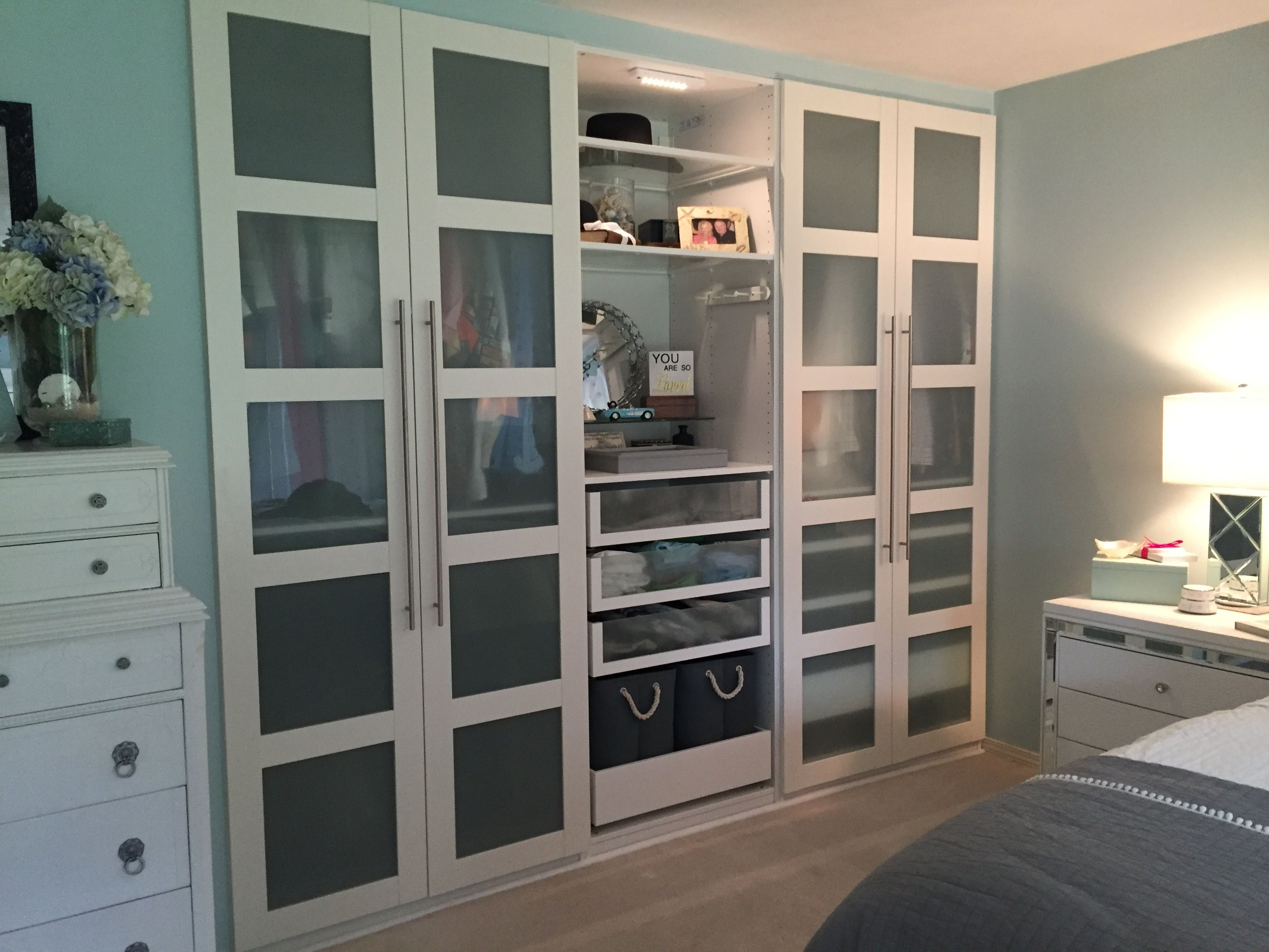 Schlafzimmerschränke Ikea ~ Short on bedroom storage space the ikea home tour squad used the