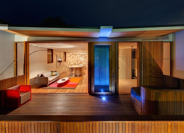 CplusC - Sydney Architects and Builders. Curl Curl Beach House - Entertaining at Night #Sydney #architect #outdoor living