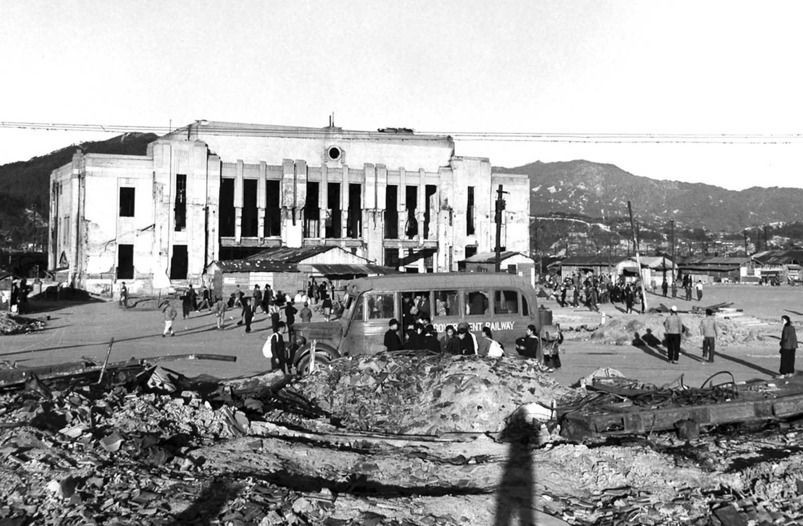 Hiroshima Before And After The Atomic Bombing 1945 Hiroshima
