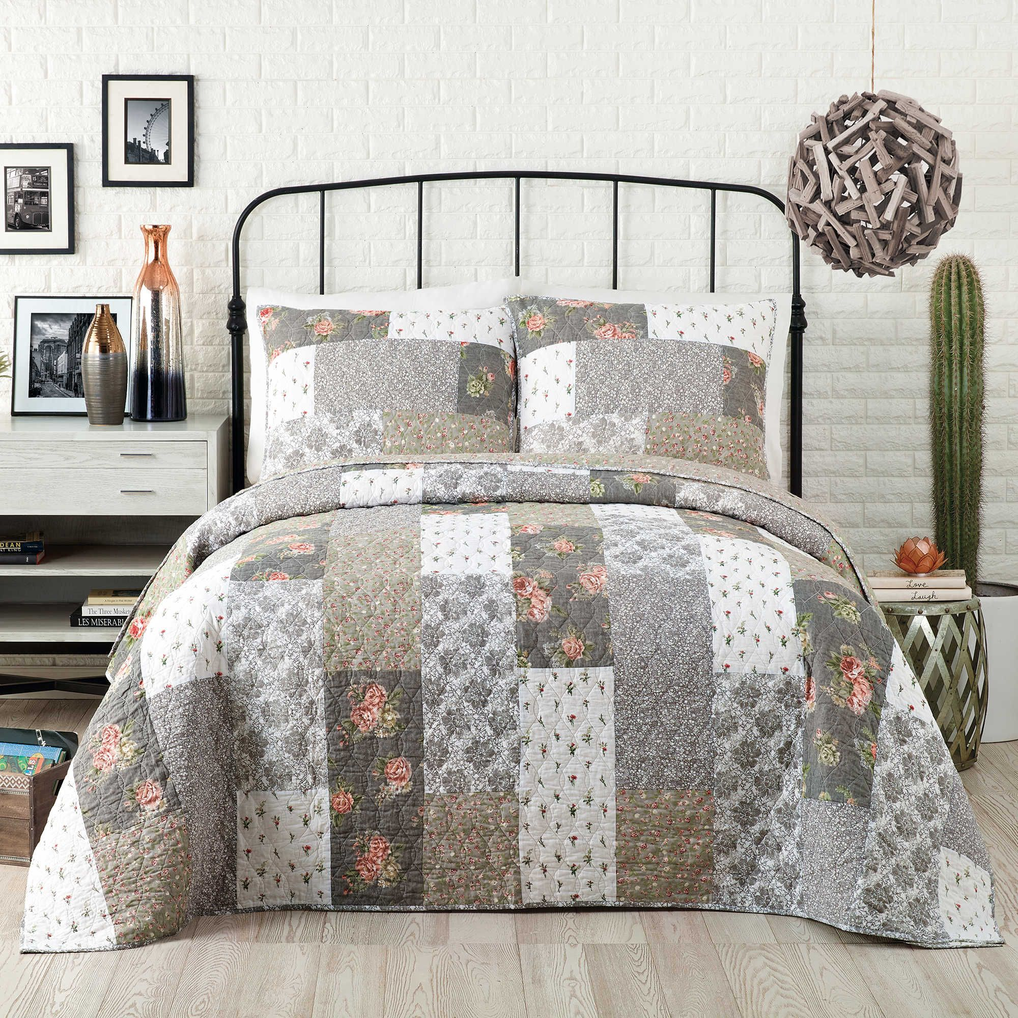 Camo Patchwork Quilt Bedding Collection