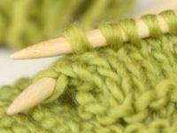 school knitting guide - direkte links til masser af videoer med strik, hækling oma.