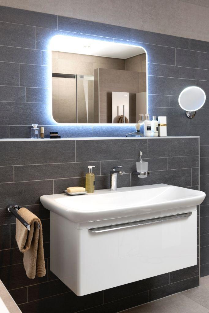 LED-verlichting zorgt voor een mooie omlijsting van uw spiegel in ...