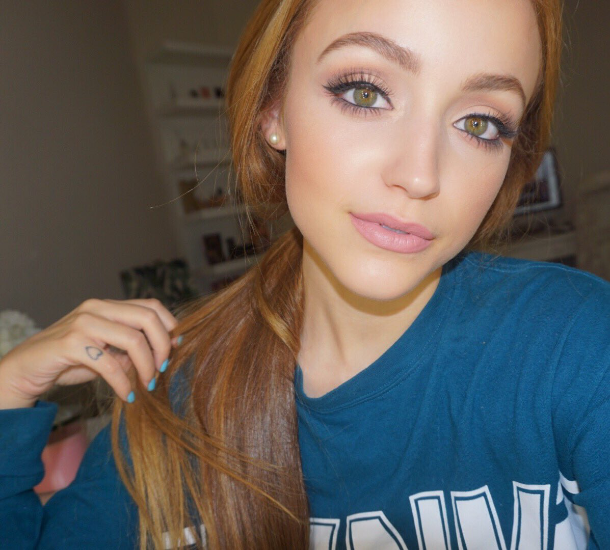 makeup Beauty guru youtubers, Red hair day, Hair makeup