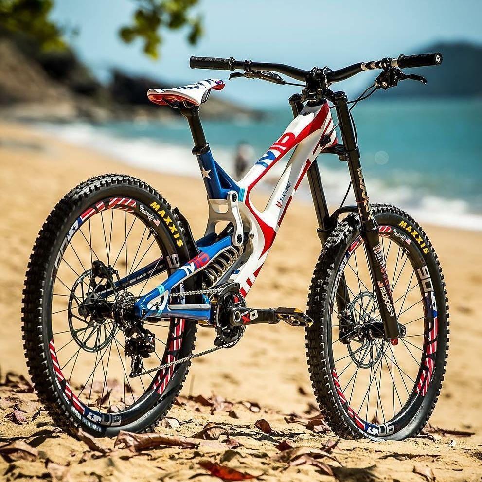 Petite Bronzette Tranquille Au Soleil Retrouvez Tous Sur Labicycle Fr In 2020 Mtb Bike Mountain Bicycle Mountain Bike Mountain Bike Action