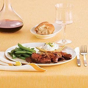 Sirloin steak with golden onions   - Recipes to cook - #Cook #golden #onions #Recipes #sirloin #Steak #sirloinsteakrecipeshealthy