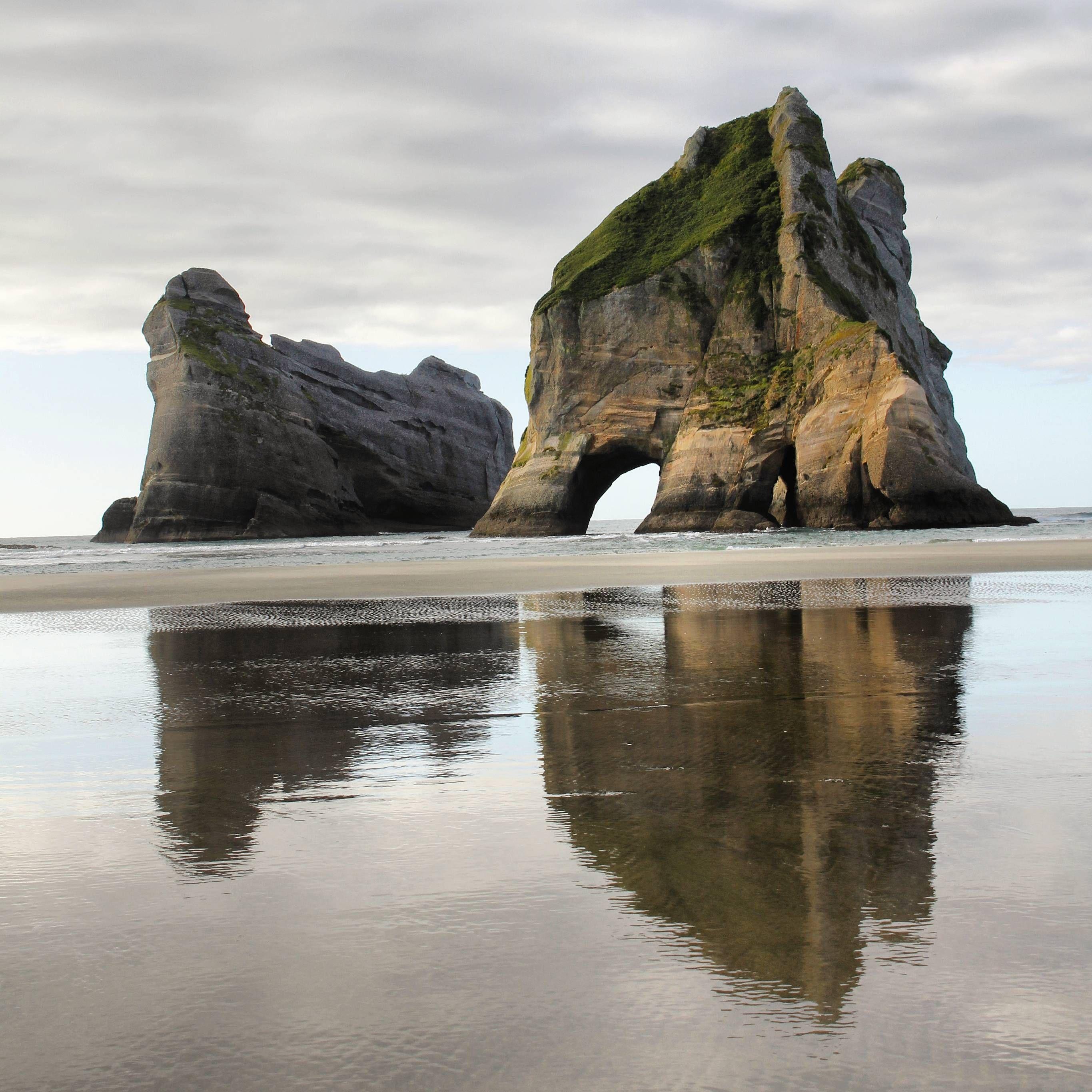 Wharariki Beach, NZ (OC) [2361x2361] Beach, Travel