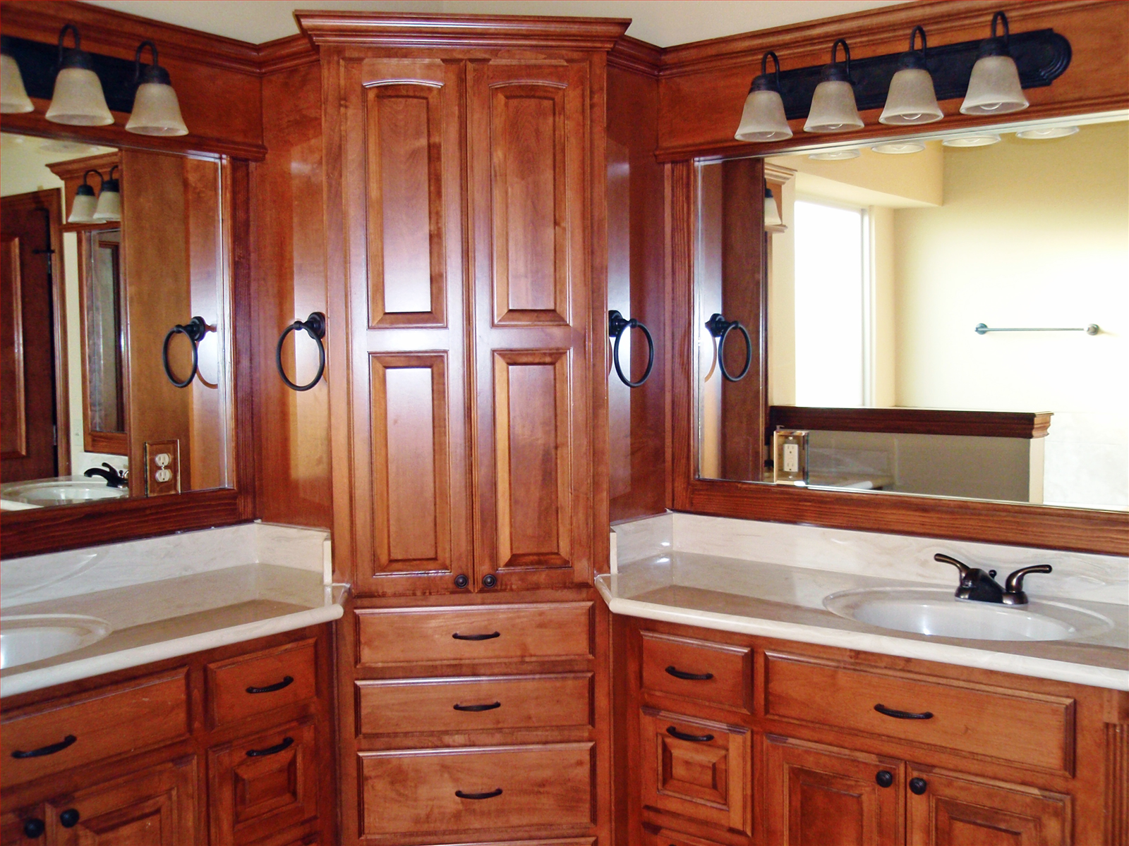 Master Bath double corner vanity; do not like the