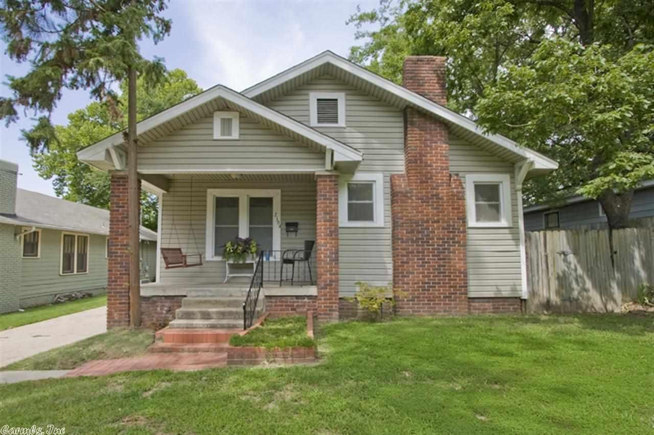 Marvelous Classic Architecture In And Out. Great Street. Great Neighbors. Fantastic  School District. Big Backyard That Is Well Above Average Size For The Area  With ...