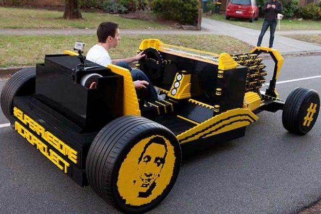 Lego: carro à escala real e que se pode conduzir
