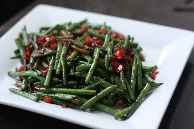 Week of Menus: Sauteed Green Beans with Soy and Garlic: Table Traitors