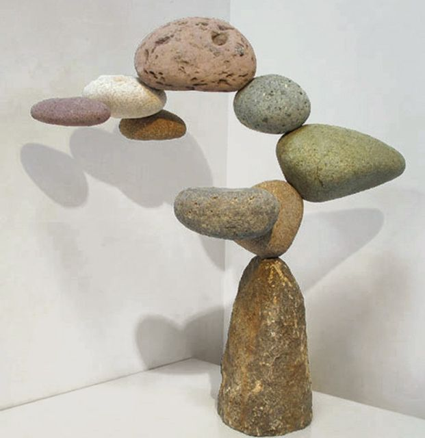 Woods Davy Stone And Hidden Steel Sculptures Rock - Man able balance impossible objects