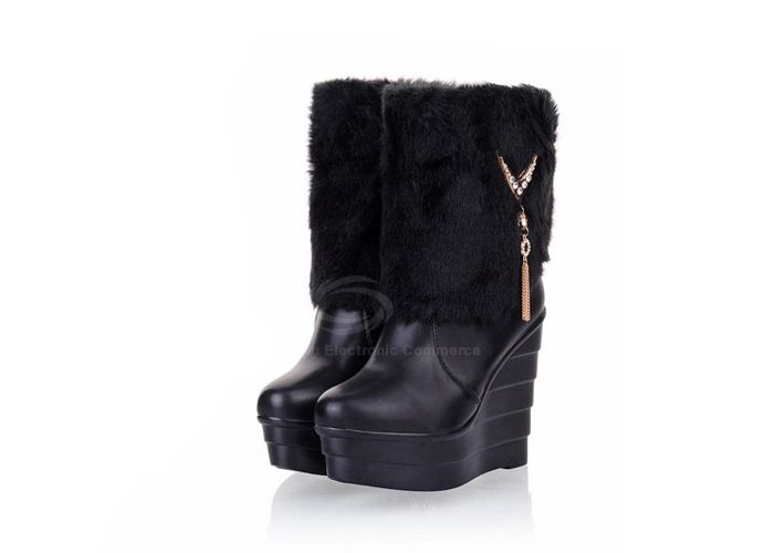 Sweet Imitation Fur and PU Leather and Metal Design Women's Short Boots (YELLOW,37) | Everbuying.com