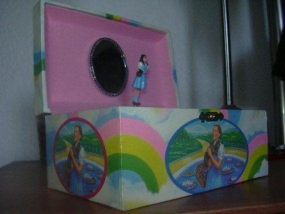 Vintage Wizard of Oz Jewelry Music Box Somewhere by Amberlynn77