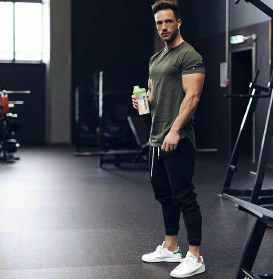 35 Conforto e estilo na hora de se exercitar! Moda Masculina! Blog Bugre  Moda   Imagem  Reprodução 42ea8cc195d