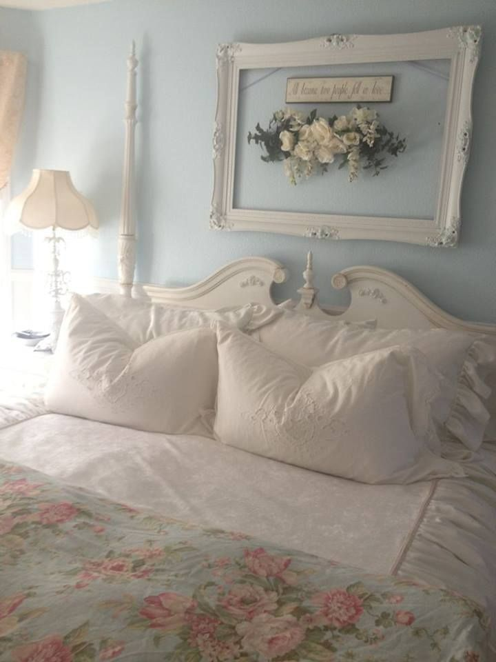 Empty Picture Frame With A Pretty Swag Makes A Great Backdrop Shabby Bedroom Shabby Chic Decor Bedroom Chic Bedroom Decor