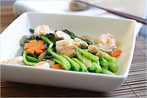 Chinese Vegetable Choy Sum With White Sauce Recipe Main Dishes With Choy Sum Dark Leafy Greens Easy Vegetable Recipes White Sauce Recipes Vegetable Recipes