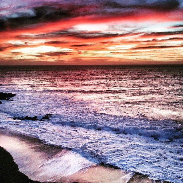 Un típico atardecer de invierno en Constitución. # #PuestaDeSol #Sunset #Domingo #Sunday #Junio #June #Invierno #Winter #Atardecer #Afternoon #Playa #Beach #Mar #Sea #Cielo #Sky #Colores #Colors #Constitución #Paisaje #Landscape #PicOfTheDay #Nubes #Clouds