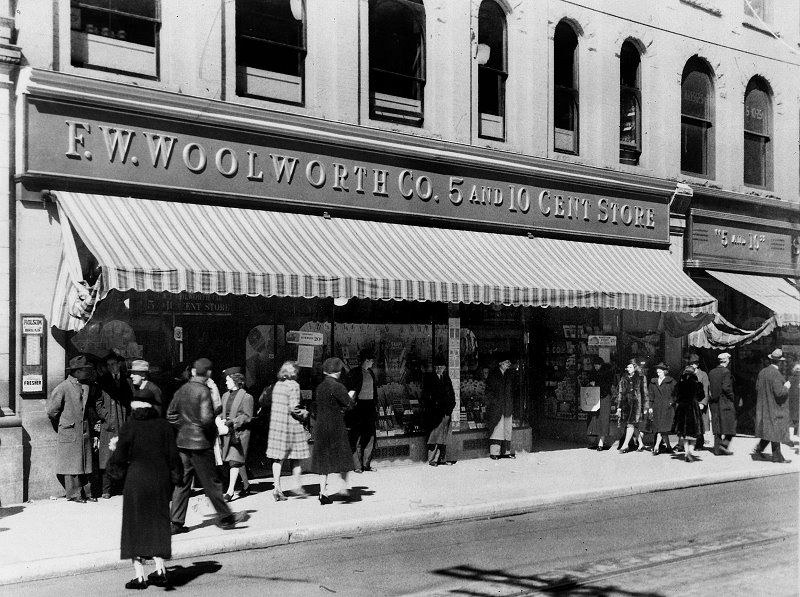 Woolworth S Charleston Wv 1943 I Remember Going Here With My Grandmother Those Were The Da West Virginia History Charleston West Virginia West Virginia