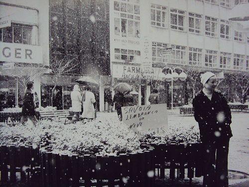 Nem em Curitiba, 1975