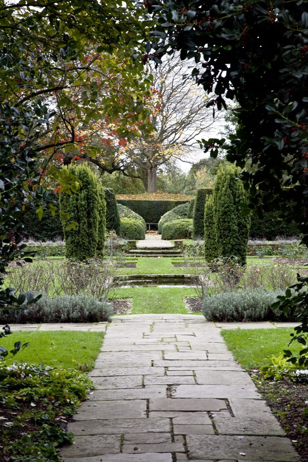 Secret Gardens and Hideaways of South London
