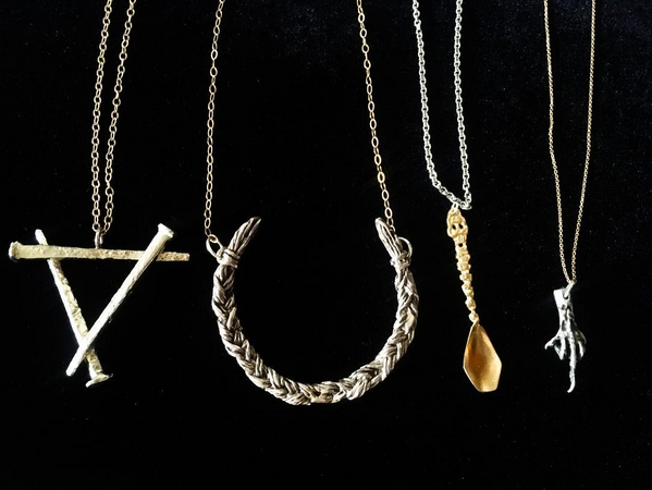 Dirge Magazine | The Ultimate Darkling Holiday Gift Guide | http://www.dirgemag.com