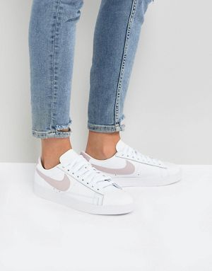 Blazer Trainers In White And Pink - White Nike Cheap Order Cheap Limited Edition Ruvos
